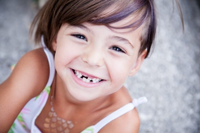 freitas-clinica-dental-valencia-falsos-mitos-cuidado-dental-dientes-de-leche-caries-dentales